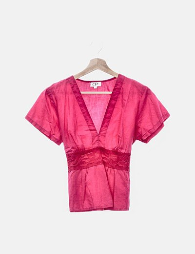 Blusa rosa fucsia detalle encaje