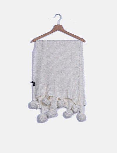 Bufanda blanca con pompones