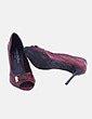 Zapatos peep toe burdeos con hebilla Carmen Steffens