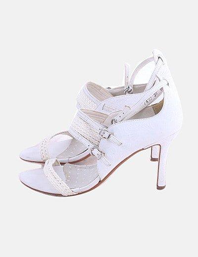 Sandalias tiras blancas combinadas