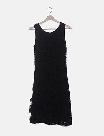 Vestido negro texturizado con flores