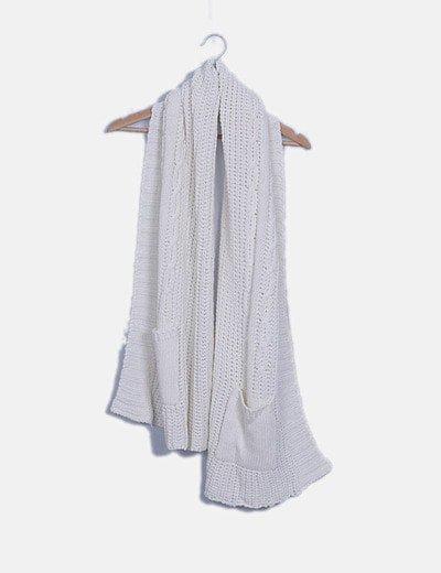 Bufanda de punto blanco con bolsillos