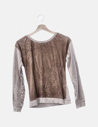 Camiseta combinada beige y marrón print