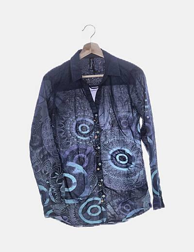 Camisa azul marina estampada