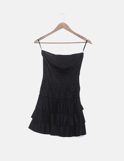 Vestido encerado negro con volantes