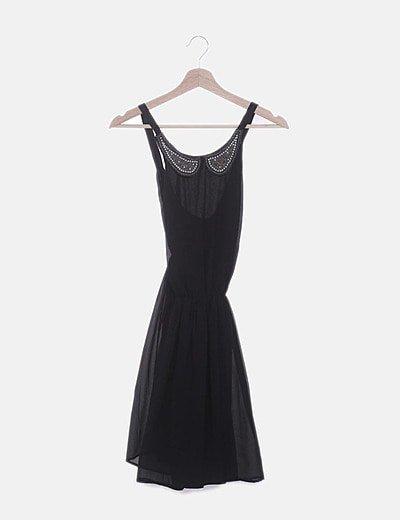 Vestido de tirantes gasa negro cuello abalorios