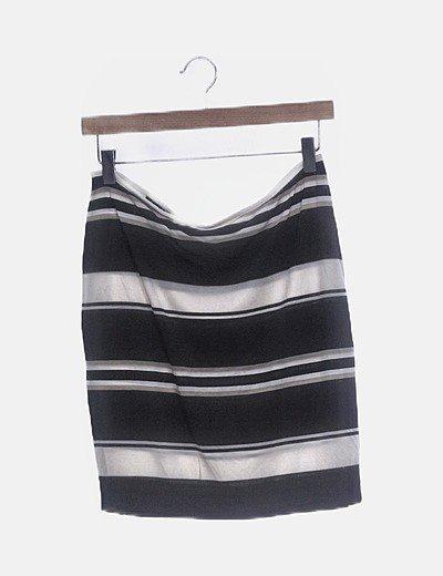 Falda negra rayas