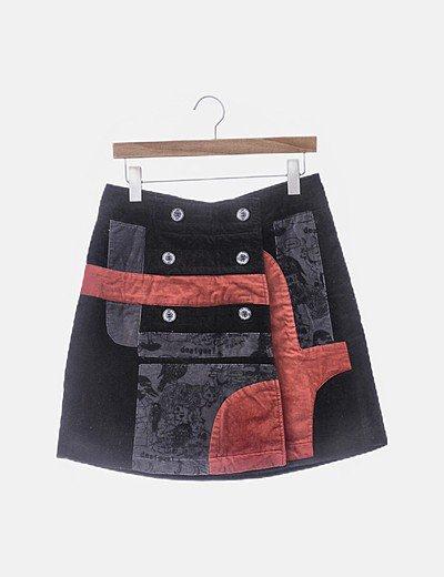 Falda terciopelo negro gris y rojo con botones