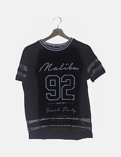 Camiseta negra print con trasnparencias