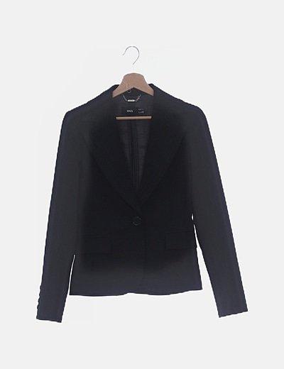 Blazer negra detalle costuras