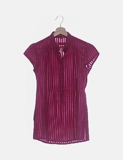 Blusa rosa de rayas con botones