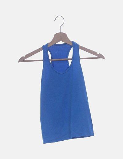 Camiseta azul con espalda nadadora