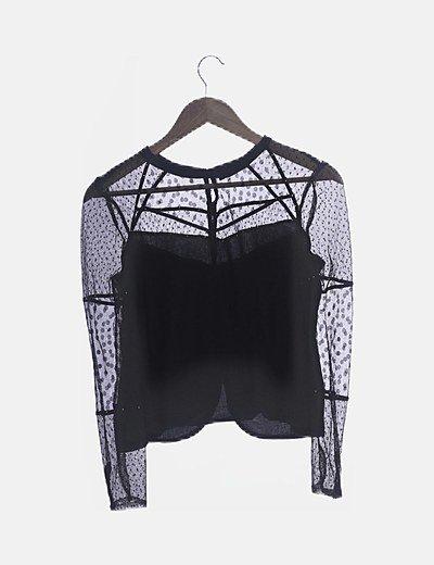 Blusa negra combinada encaje