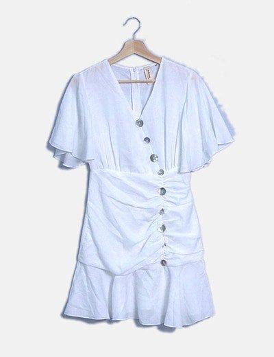 Vestido blanco drapeado con botones