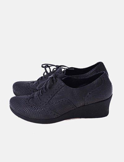 Zapato gris animal print