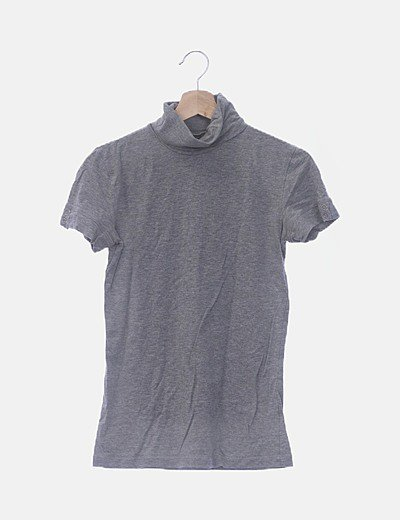Camiseta manga corta gris cuello vuelto