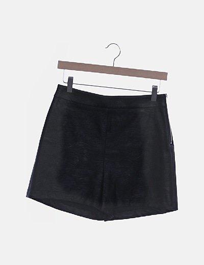 Falda polipiel negra