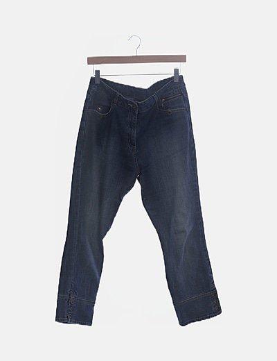 Pantalón denim con detalle botones