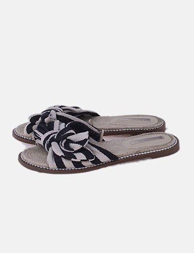 Sandalia de esparto bicolor
