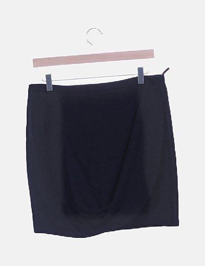 Mini falda negra cruzada