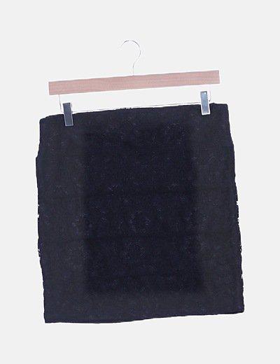 Mini falda negra con encaje