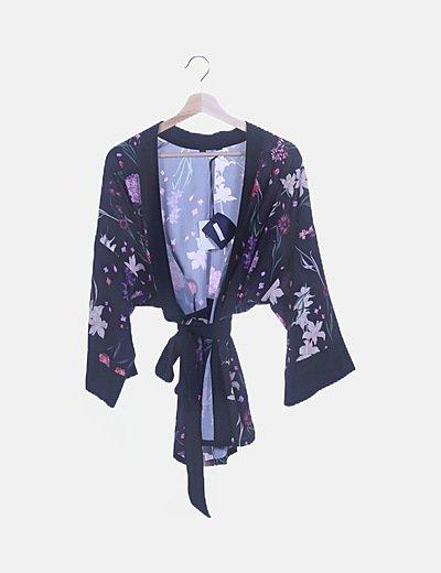 Kimono negro floral