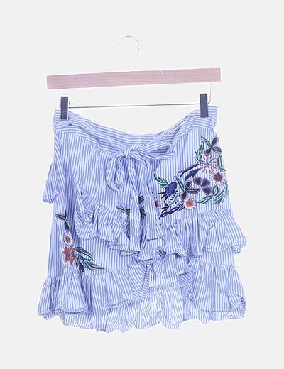Falda de rayas con bordados