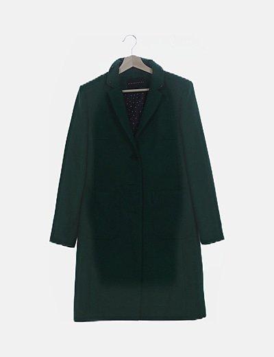 Abrigo largo verde con tachas