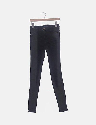 Pantalón denim pitillon negro