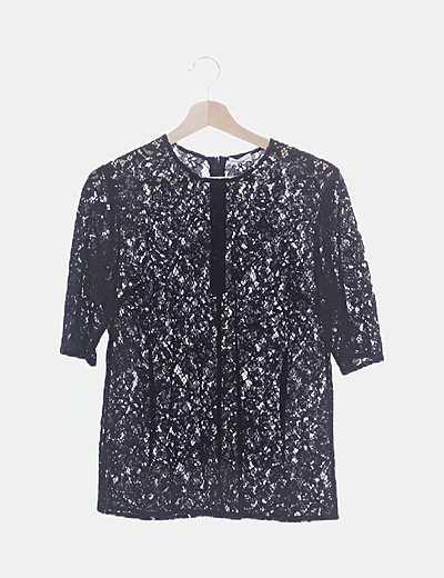 Camiseta negra encaje