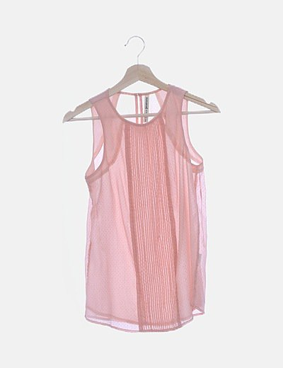 Blusa de gasa rosa detalle plisado con topos