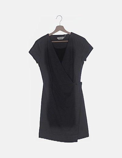 Vestido negro jaspeado cruzado