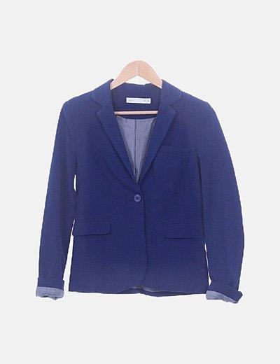 Blazer azul con bolsillos