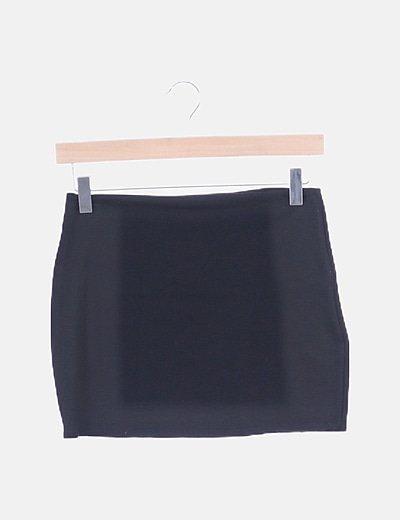 Falda negra lisa