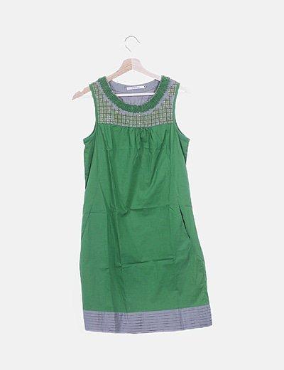 Vestido verde con bolsillos