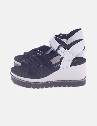 Sapatos de cunha Sixty Seven