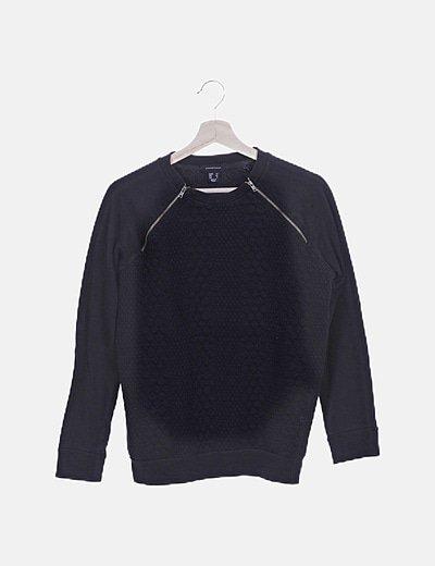 Jersey negro texturizado detalle cremalleras