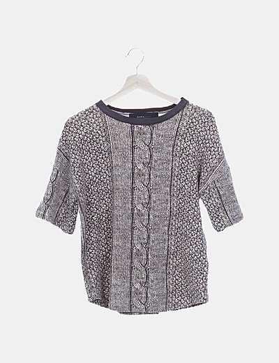 Camiseta tricot marrón estampada