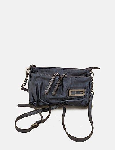 Bolso azul metalizado con bolsillos