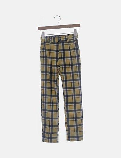 Pantalón de cuadros amarillo con cintura elástica