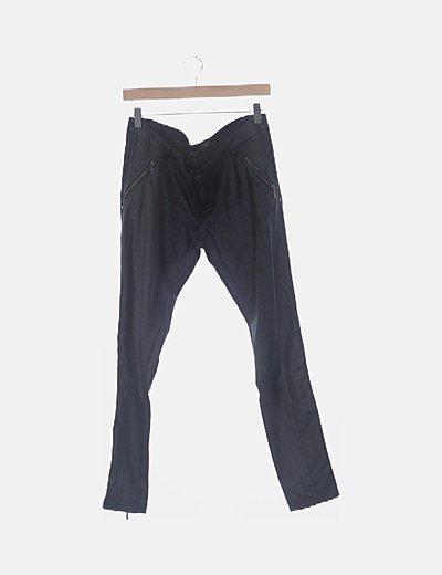 Pantalón negro polipiel