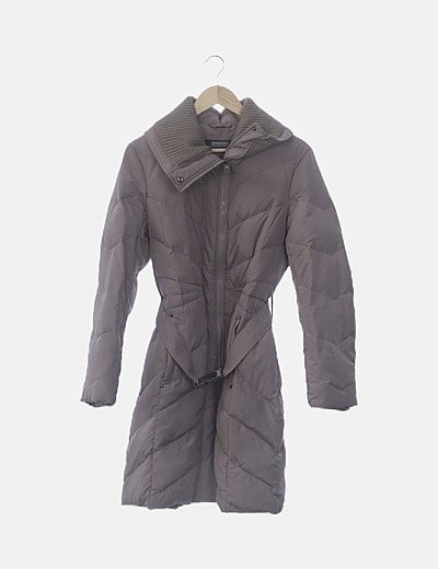 Abrigo gris acolchado