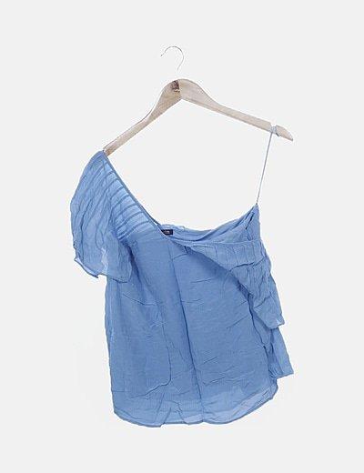 Blusa azul detalle plisado escote en pico