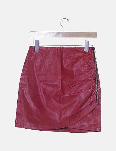 Falda polipiel roja cremallera lateral