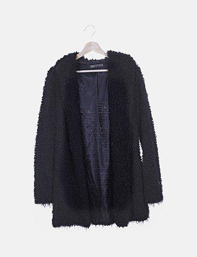 Abrigo negro combinado flecos