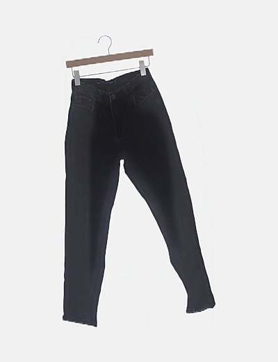 Pantalón negro mom fit