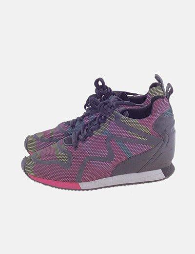 Sneaker multicolor con cuña