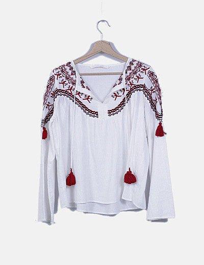 Blusa blanca estilo boho