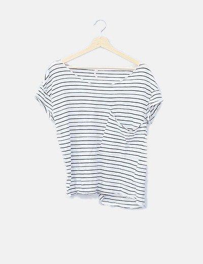 Camiseta básica navy con bolsillo