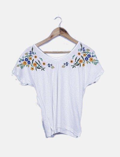 Camiseta blanca bordado floral multicolor